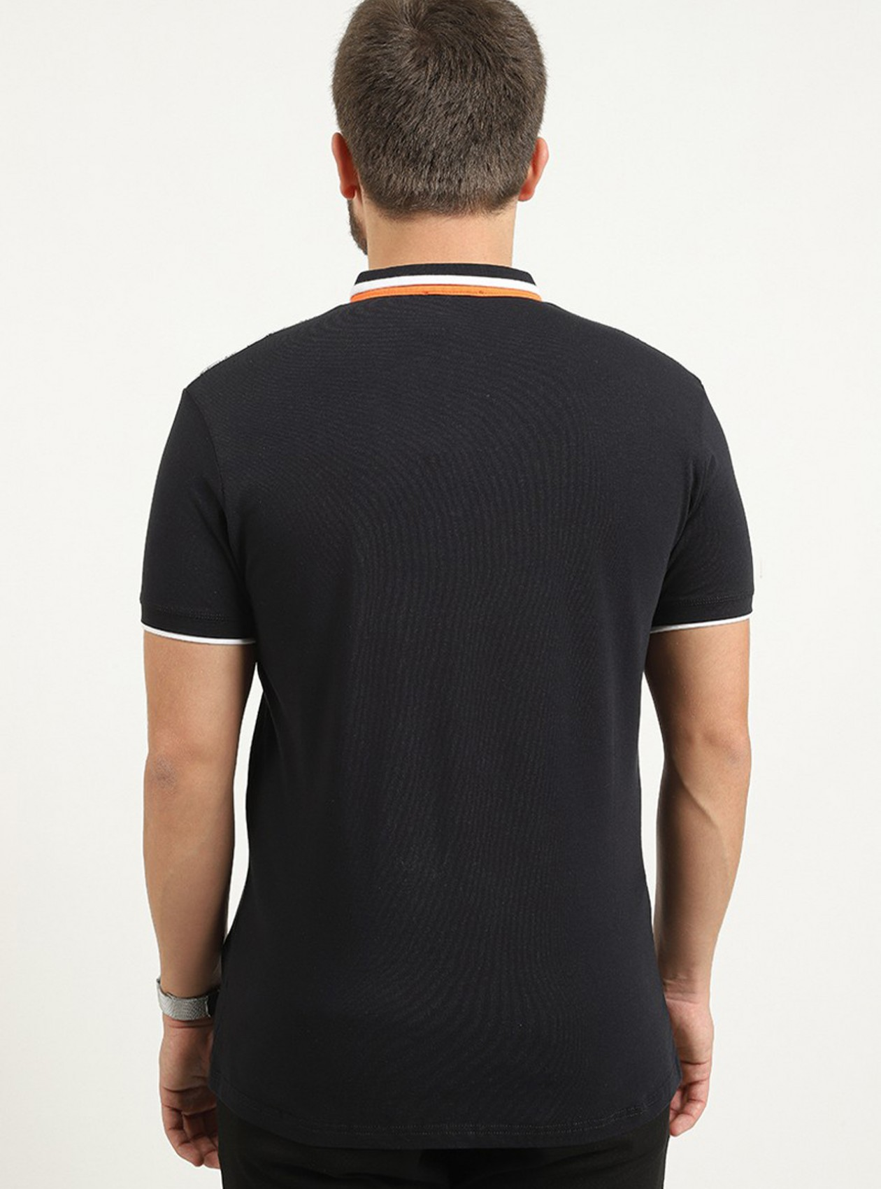 Polo marine manches courtes avec logo plaque poitrine