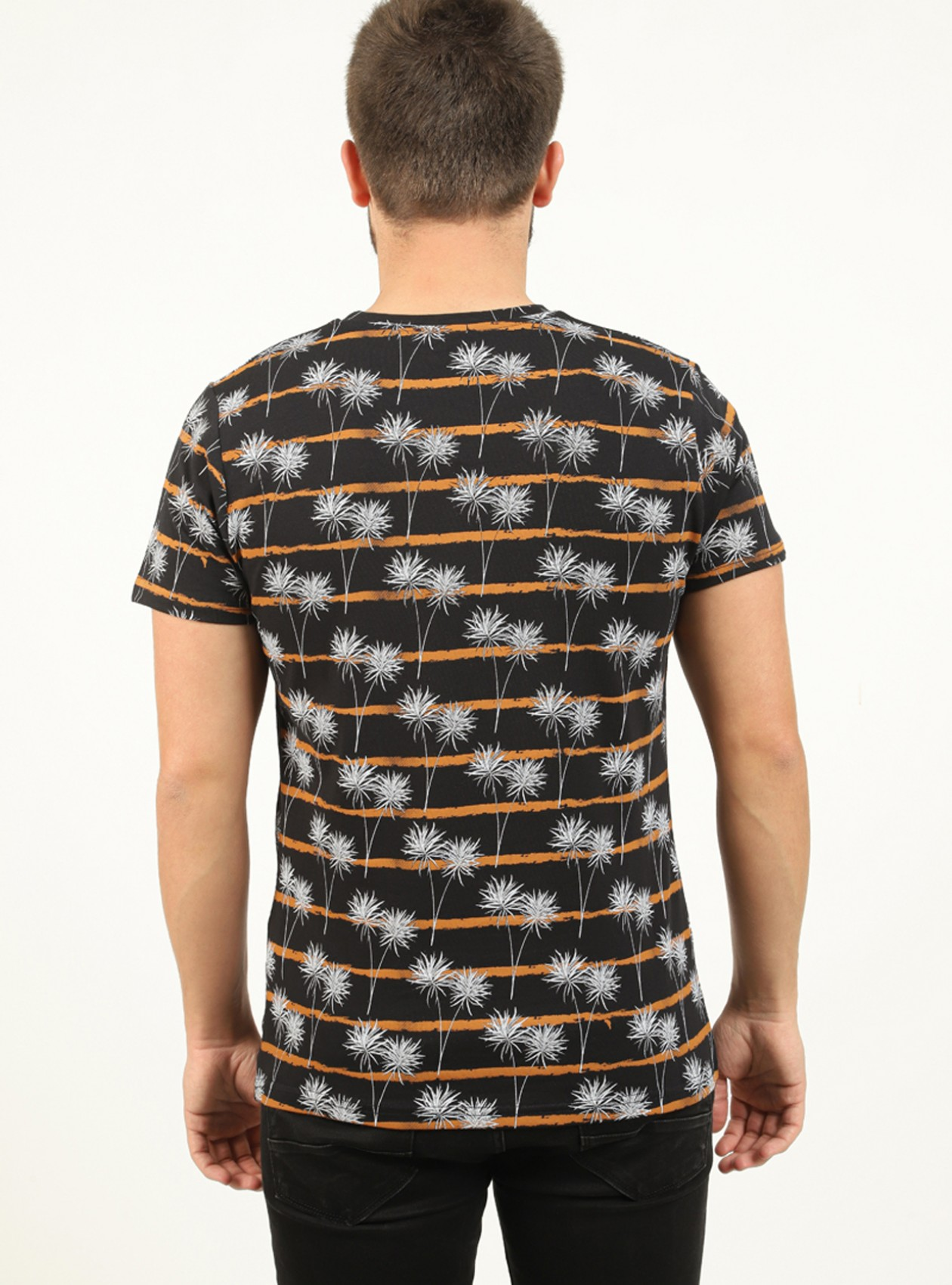 Tee-shirt homme noir avec poche poitrine